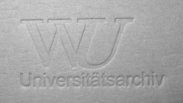 Individualisierung Prägestempel WU Uniarchiv