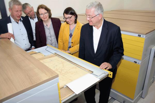 Vorbildliche und nachhaltige Archivierung im Stadtarchiv Troisdorf